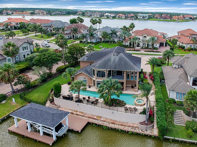 aerial photography for Katy, TX waterfront property